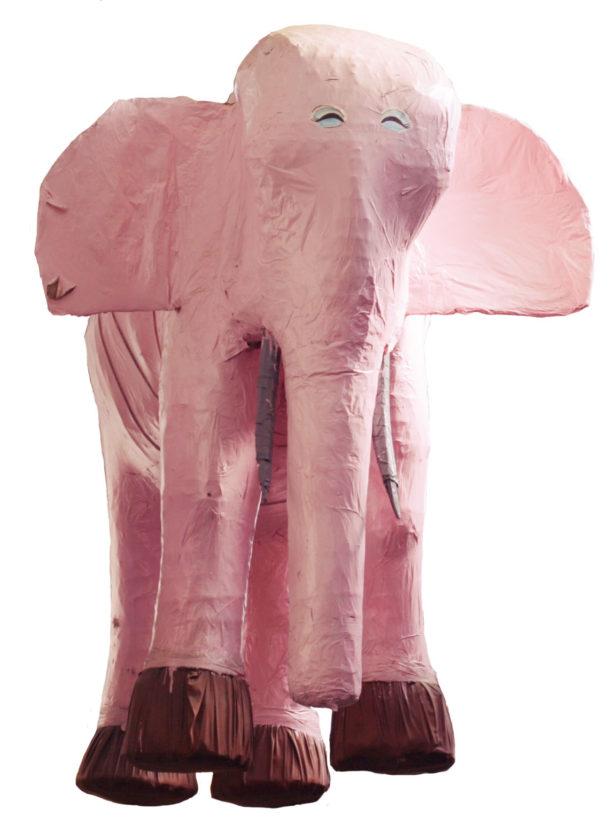 ピンクの象が佐渡に来た
