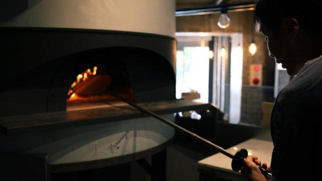 薪のピザがま
