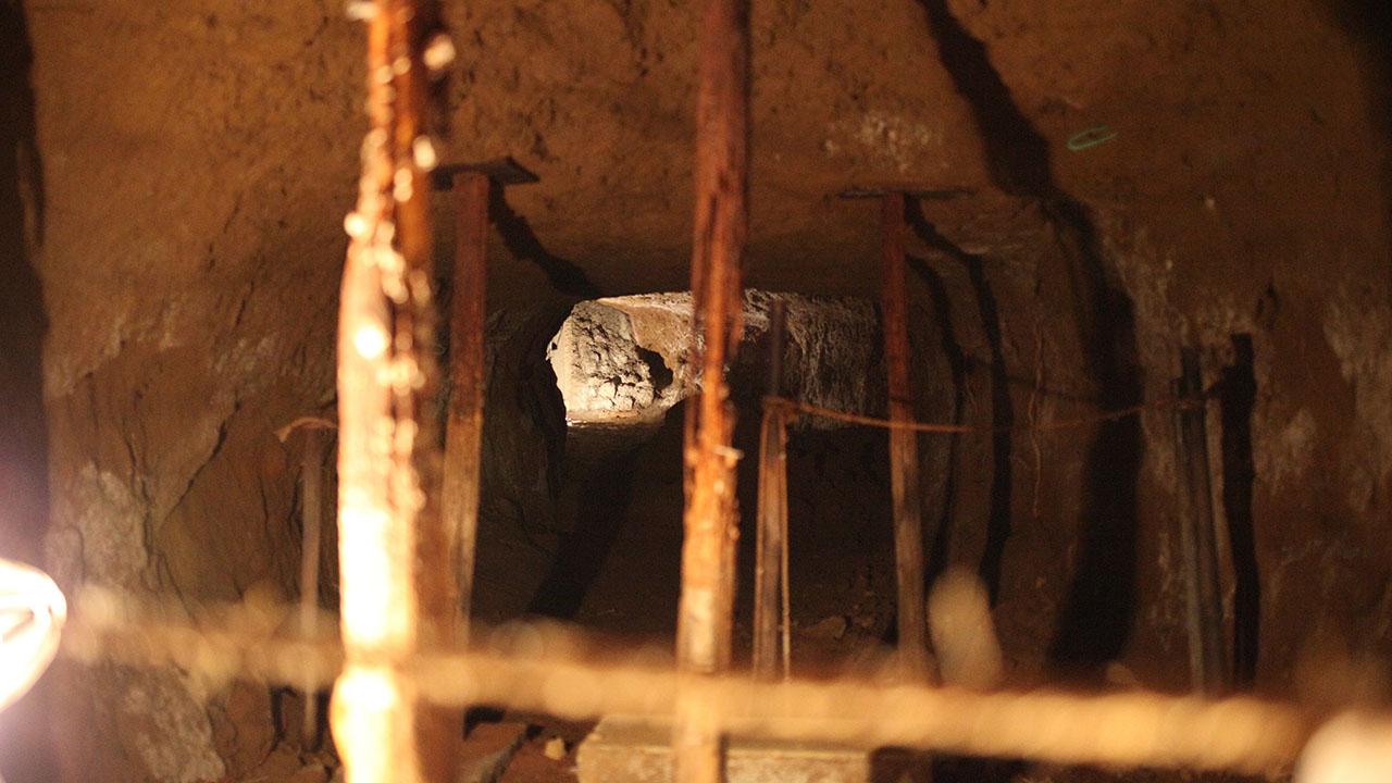 穴弁天の穴