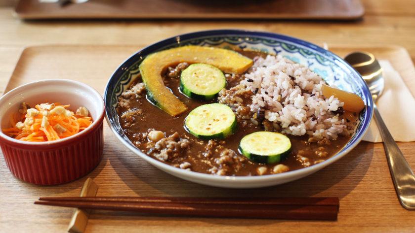 カワセミピプレット の十六穀米カレー